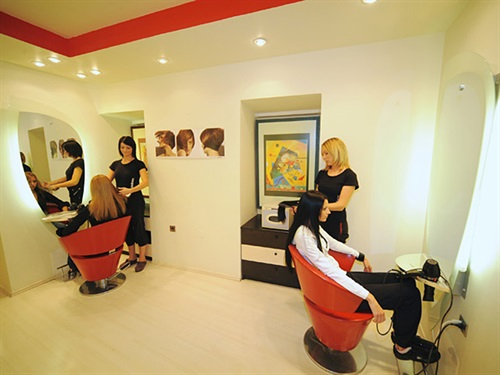 Salon In Fashion by Patricia - Instar d.o.o.